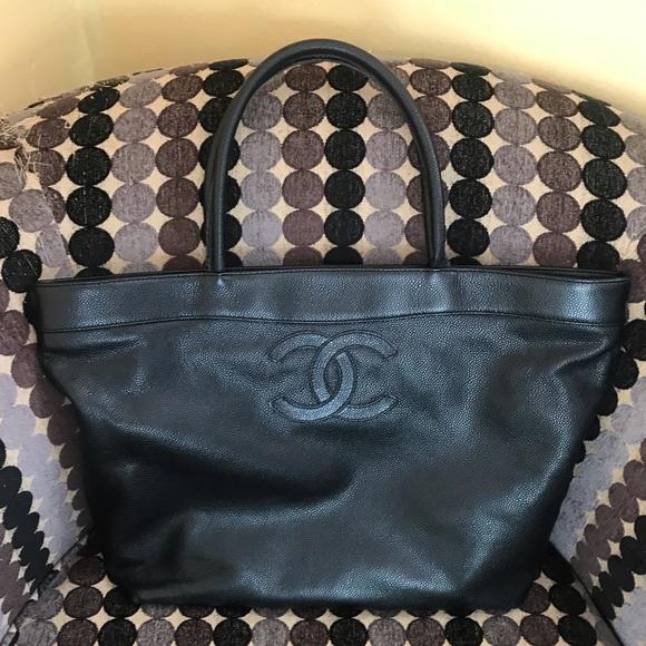 6a054cf6e95723 CHANEL Handbags - Authentic Chanel Black Caviar cc logo tote
